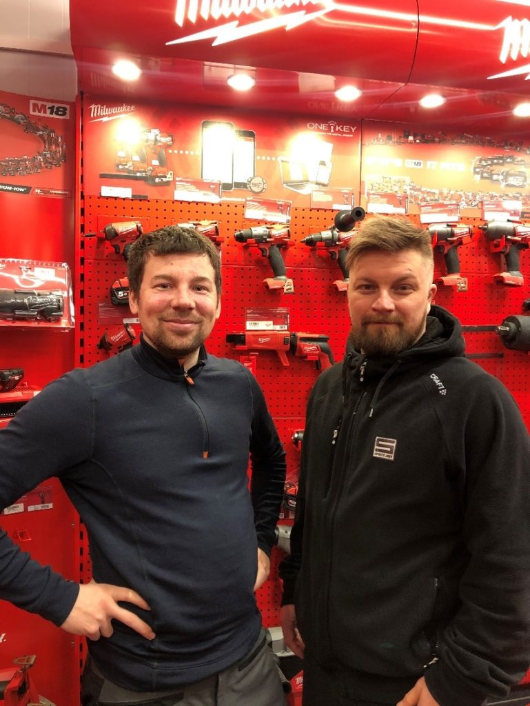 Kjell-Arne Johnsen og Åge Harila fra Sprett.net er nye leverandører av bekledning til IL Norild